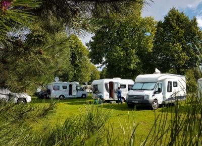 Czy warto i jak podróżować kamperem po Polsce?