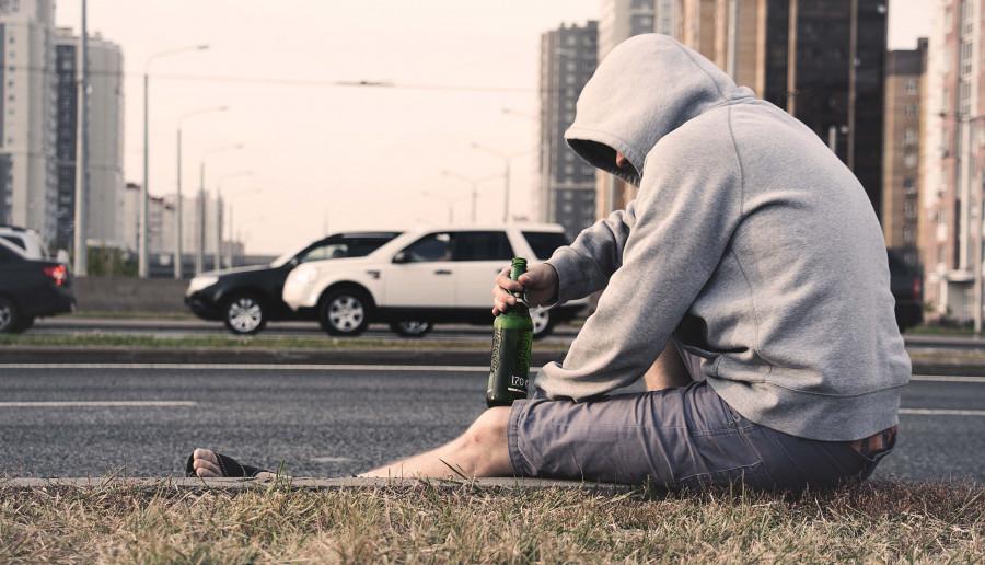 Spożywanie alkoholu w plenerze? Czy powinno być legalne?