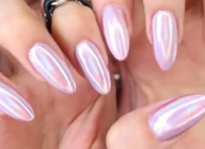 Piękne paznokcie, pyłek syrenki
