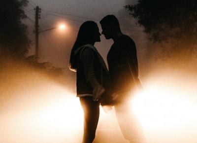 Używasz aplikacji randkowych? Na te 10 rzeczy musisz uważać!