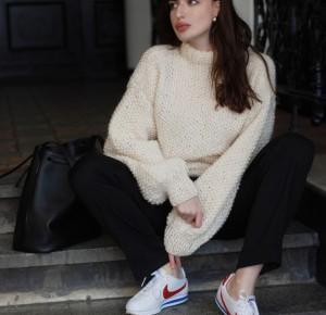 Handmade sweter i Nike Cortez