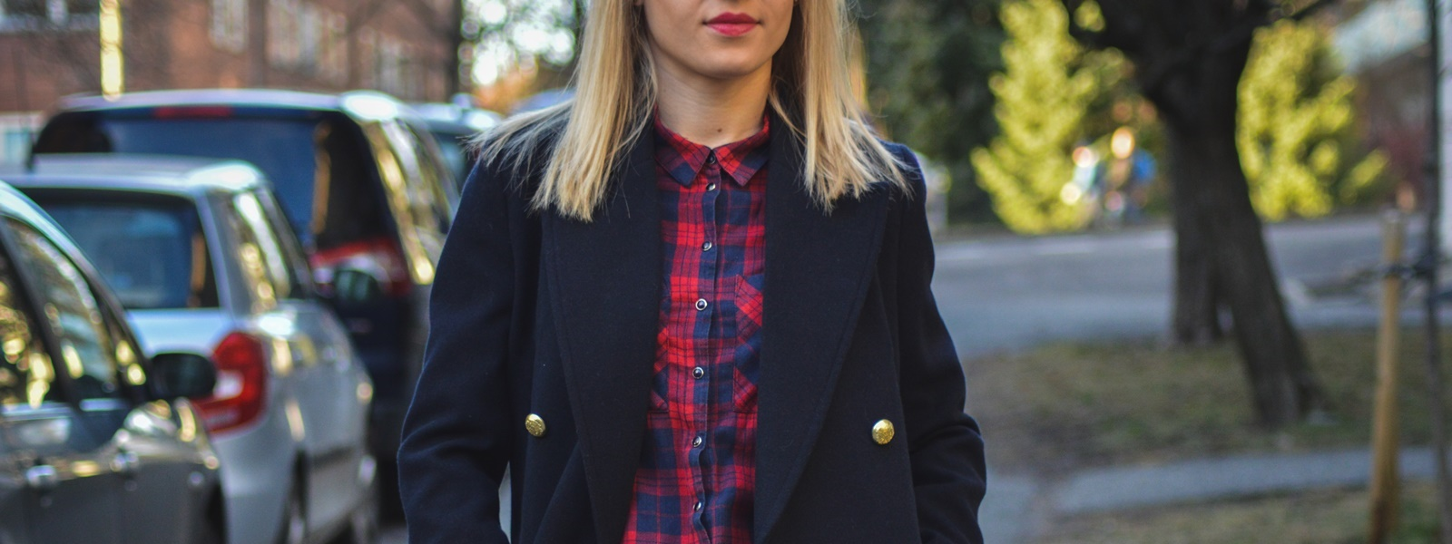 Navy blue jacket – podstawą kobiecej garderoby – Eat Make Up Dress