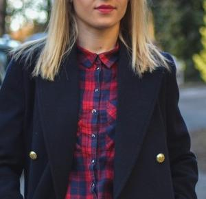 Navy blue jacket – podstawą kobiecej garderoby – Eat Make Up Dress
