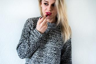 Sweater weather – Eat Make Up Dress