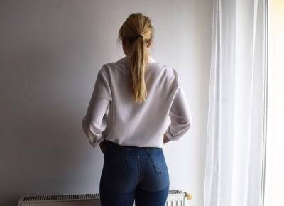 do something amazing: Blue jeans white shirt
