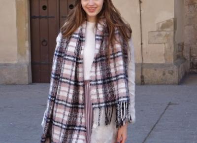 Stylizacja z Plisowaną Spódnicą 🌸 Klimat Krakowa - ModoEmi
