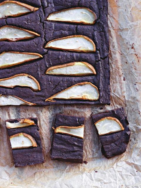 Bezglutenowe brownie z gruszkami