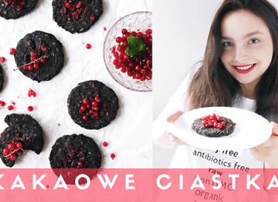 Kakaowe ciastka z czerwoną porzeczką (wegańskie)