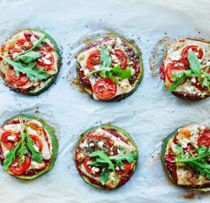 FIT mini pizze z cukinii