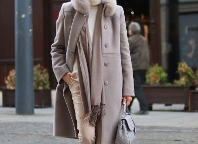 Wełniany, ciepły płaszcz