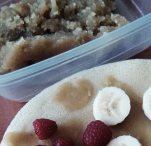 .: Healthy breakfast, czyli naleśnik z domowym masłem orzechowym!