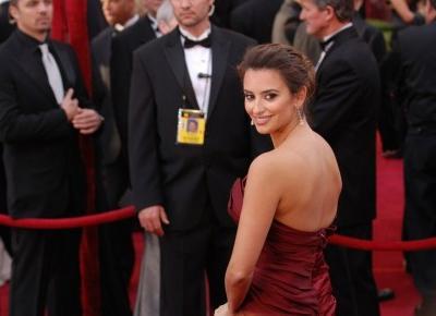 Najgorsze suknie wieczorowe w dziejach Oscarów - Modny Blog