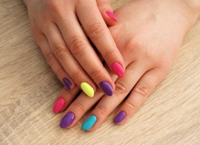 Najmodniejsze paznokcie wiosna 2018 | Inspiracje modowe :: blog modowy - modoweinspiracje.pl