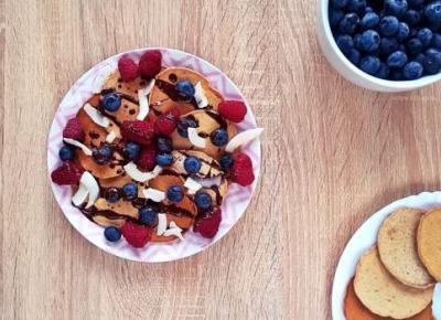 Proste wegańskie placuszki z owocami | Mój kawałek podłogi