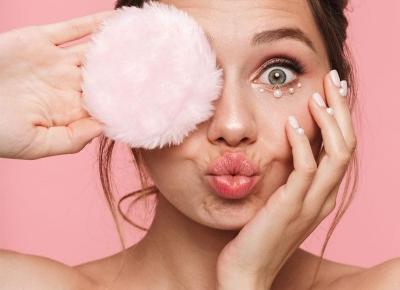 Bazy rozświetlające pod makijaż - przegląd kosmetyków rozświetlających - Twarz i makijaż - Polki.pl