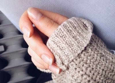 Zniszczone paznokcie po tipsach? Podpowiadamy, jak odbudować płytkę paznokci, gdy te są miękkie i łamliwe - Glamour.pl