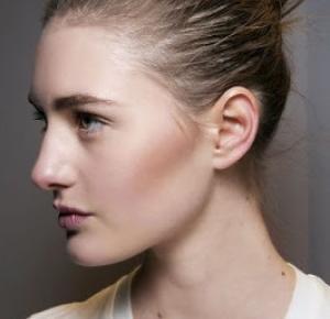Simplify your life: Domowe sposoby na wypadanie włosów: dieta   pielęgnacja