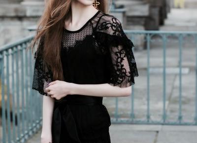 Długa koronkowa sukienka w Łazienkach