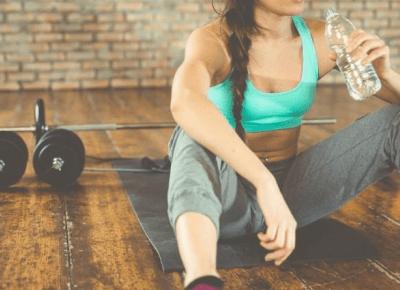 Co zabrać ze sobą na siłownię?