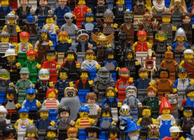 Lego będzie produkować klocki z plastikowych butelek