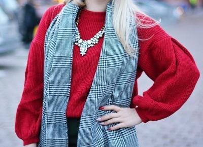 Czerwony Sweter Stylizacja | Kaszkiet | Szal w Kratę | Fotografia sposobem wyrazu
