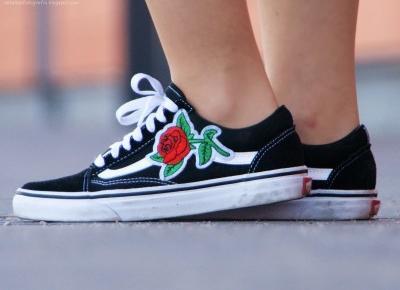Słynne vansy z różami | Fotografia sposobem wyrazu