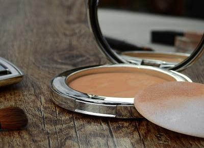 Mica - tajemniczy składnik kosmetyków nie polecany przy cerze trądzikowej | N. o kosmetykach