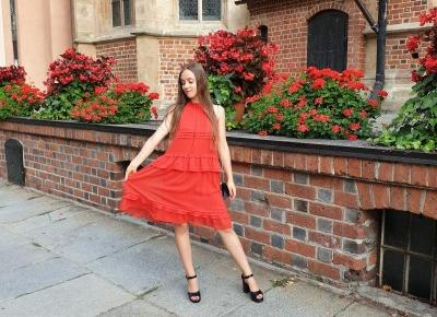 confidence & glamour | red dress - Nicole's travel journal - blog podróżniczy, lifestylowy, modowy