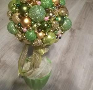 Świąteczny DIY – moje cudowne drzewko z bombek - nieobliczalna.pl