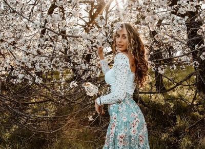 Trend: Floral - kwiatowe motywy   Wiosenne stylizacje