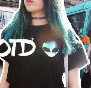 OOTD: Holo alien • Ola Brzeska