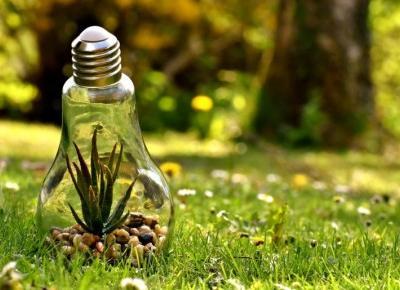Sprawdź, ile można zaoszczędzić na prądzie wykonując proste triki!
