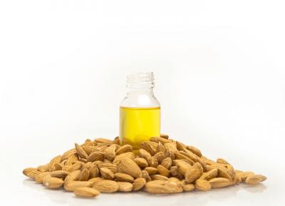 Olej Kosmetyczny Ze Słodkich Migdałów – Właściwości I Zastosowanie