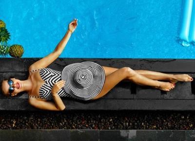 Stroje kąpielowe - trendy na lato 2019