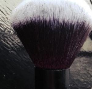 Beauty Courier: Etos - Powder brush