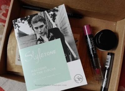 Beauty Courier: StyleToneBox - February 2017
