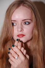 DENIQ: ModnebyBlond: Trzy najmodniejsze odcienie paznokci jesień 2015