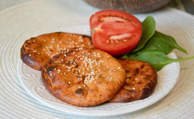 Pomidorowe placki twarogowe
