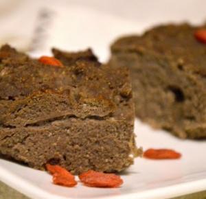 Healthy Dreams: wegańskie brownie z jagodami goji bez cukru