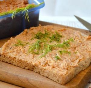 Healthy Dreams: wegański pasztet z quinoi i tofu o smaku papryki