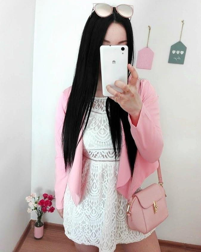 "Justyna 🎀 on Instagram: ""🌸🌸🌸 #whitedress #pinkandwhite 💖"""