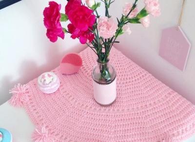 """🌸 Justyna 🌸 on Instagram: """"🌸💖🌸 #dekoracja #dekoracje #kwiaty #goździki #gozdziki #akcesoria #pastele #wnętrza #home #homesweethome #flowers #pink #pastels #decor…"""""""