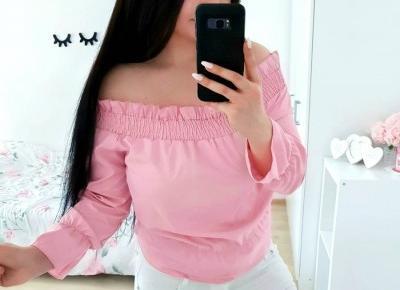 """Justyna 🎀 on Instagram: """"połączenie różu i bieli 😍💖💖 zdecydowanie moje ulubione! 🌸🦄🌸🦄🌸 bluzeczka 》@zaful ♡ spodnie 》@fabrykajeansow.pl ♡ #polishgirl #brunette #ootd…"""""""