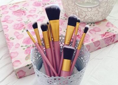 "Justyna 🎀 on Instagram: ""takie piękne 💖💖💖💖💖 pędzle ➡️ @rosewholesale_official 💞 👑 💞💗💖 http://fshion.me/wx5r2a  #brushes #makeup #makeupbrushes #brush #pinkbrushes…"""