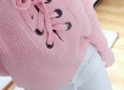 "Justyna 🎀 on Instagram: ""inlove! 💞💞💞 sweterek @sammydressfashion (link in bio) 💖 spodnie @fabrykajeansow.pl fabrykajeansow.pl 💖 #me #girl #outfit #look #ootd #lotd…"""