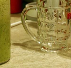 Pani Yoanna.: MPS w kuchni: Zielono mi! Czyli o zielonym smoothie słów kilka.
