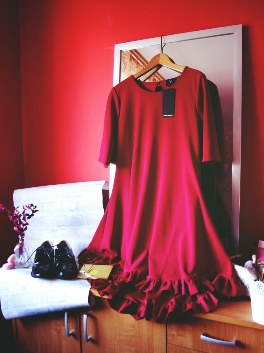 Czerwona sukienka - czyli klasyk na każdą okazję