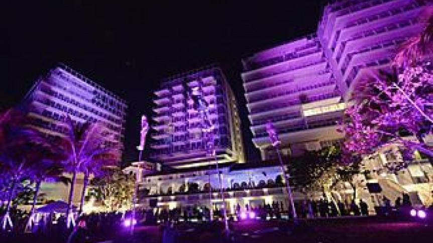 Pantone Color Institute wybrał Ultra Violet, intensywny odcień fioletu kolorem roku 2018. | Zalety Dojrzałego Wieku