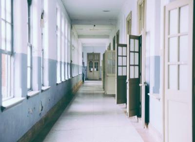 Uderzyła mnie nauczycielka. Wspomnienia szkolnych lat. Część 1: Podstawówka | Lifestyle By Patryk Witczuk