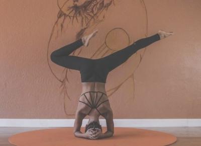 Trzy powody, dla których warto ćwiczyć jogę | Teoria Kobiety